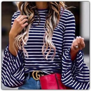 💙 💙 Boutique Bell Sleeve Tee